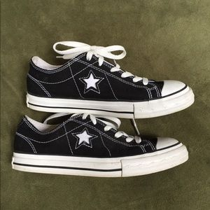 Women's Converse One Star Sneakers Size 8